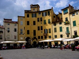 Lucca Italy Travel Guide – Florence Day Trip