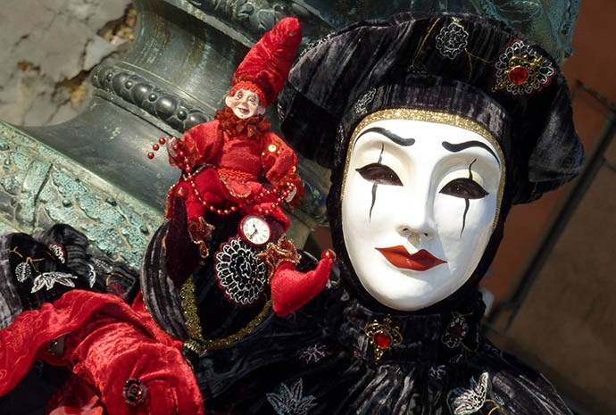 Carnevale in Italy – Facts, History, Costumes, Masks, Video & Photos