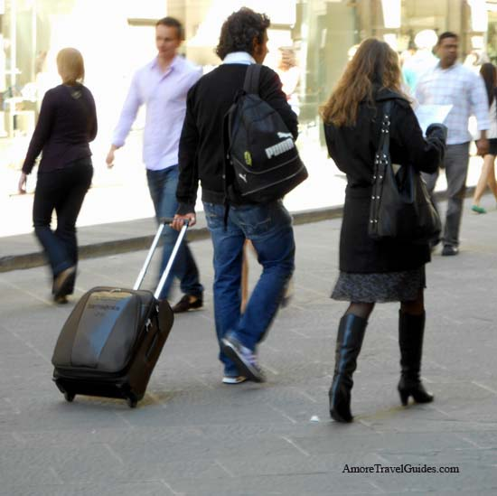 Venice, Italy Does Not Plan To Ban Wheeled Suitcases