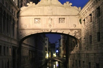 Bridge of Sighs Venice – History & Fun Facts